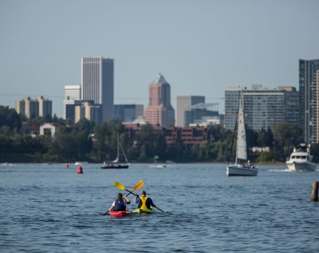 boating on the Willamette River